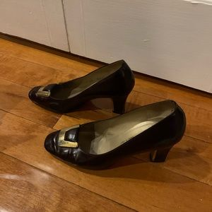 Vintage St. John Shoe Brwn Leathr Gold Buckle Heel